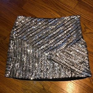 Lulus bodycon sequin mini skirt, only worn 1 time